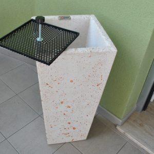Portarifiuti in cemento - Spegni Sigarette Cono Quadrato