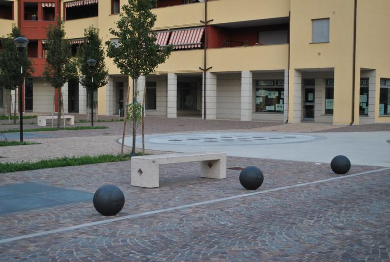 Arredo urbano zona residenziale troisio cementi for Un arredo urbano