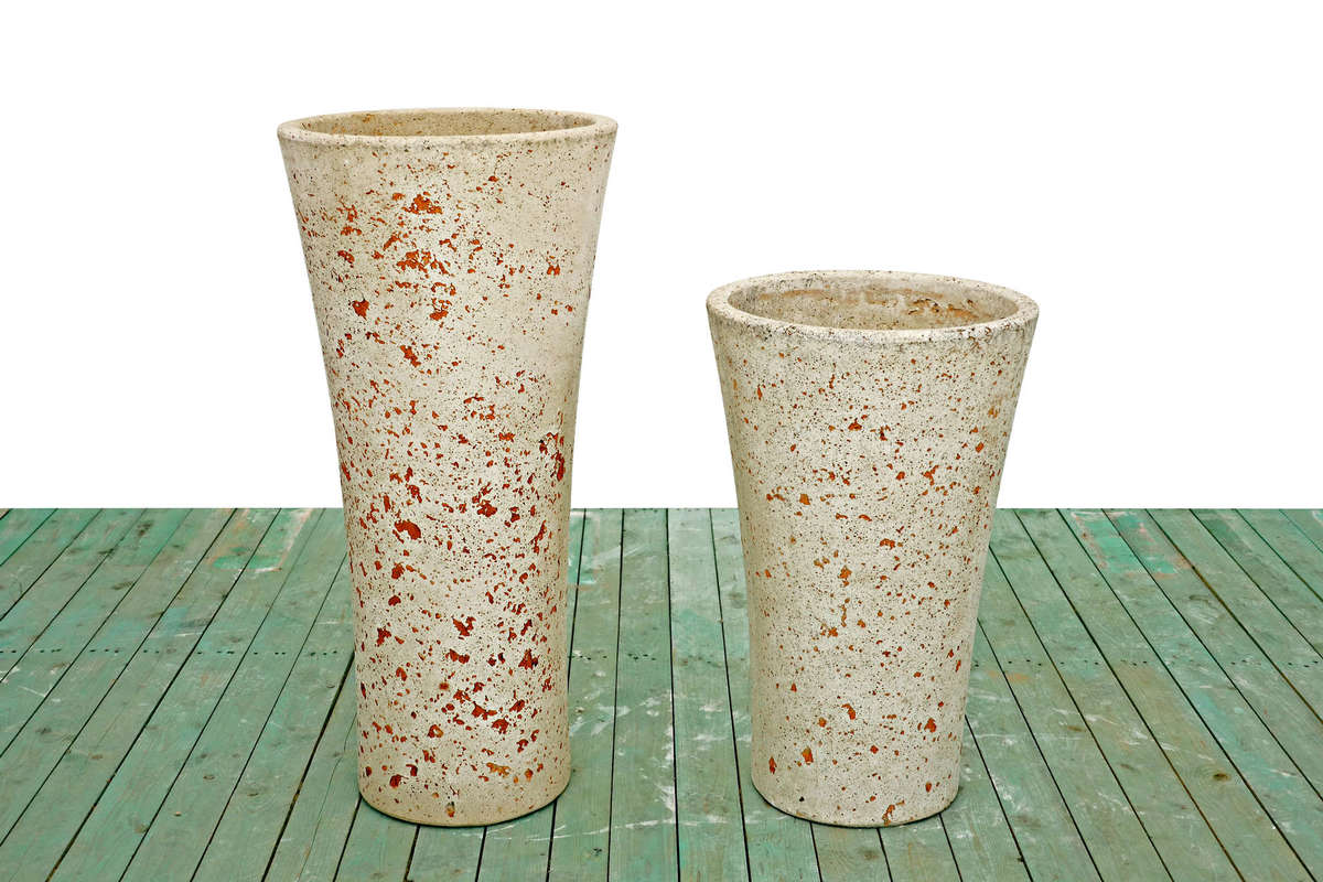 Round cone vase